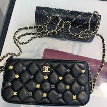 2018 CHANEL F/W最新作★camellia charm CLUTCH/IPHONE case