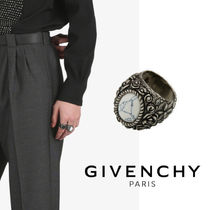 GIVENCHY 花のリング
