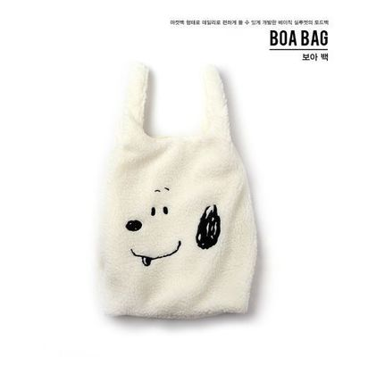 STEREO VINYLS COLLECTION バッグ・カバンその他 日本未入荷STEREOVINYLSの[FW18 Peanuts] Boa Bag 全2色