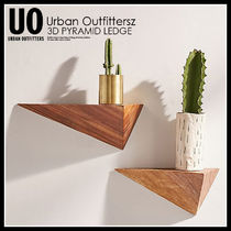 URBAN OUTFITTERS 3D PYRAMID LEDGE (Lサイズ)★37334141-020