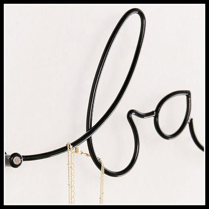 Urban Outfitters 棚・ラック・収納 国内即納★URBAN OUTFITTERS BABE WALL HOOK★43775741-001(2)