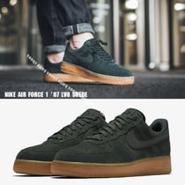 NIKE★AIR FORCE 1 '07 LV8 SUEDE★スウェード★OUTDOOR GREEN