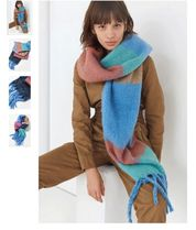 Urban Outfitters Cozy Nubby Striped Oblong マフラー 新作