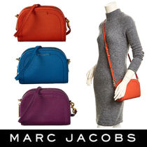 新色★MARC JACOBS Playbag Crossbody 半月形かばん