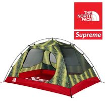 Supreme / TNF Snakeskin Taped Seam Stormbreak 3 Tent