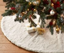 クリスマスツリーの下に☆Pottery Barn☆Faux Fur Tree Skirts