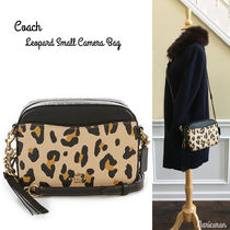 即発送【セール!】COACH * Leopard Small Camera Bag