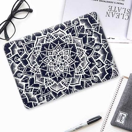 Casetify スマホケース・テックアクセサリー ★Casetify★MacBookケース*White and Blue Mandala(2)
