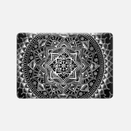 Casetify スマホケース・テックアクセサリー ★Casetify★MacBookケース*Pretty Black Flower Mandala(3)