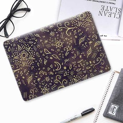 Casetify スマホケース・テックアクセサリー ★Casetify★MacBookケース*Modern boho hand drawn doodles(2)