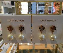 【Tory Burch】LOGO PEARL DROP EARRING  Cream/Gold ピアス