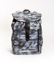 ivivva athletica(イヴィヴァ アスレティカ) キッズスポーツウェア 【 Where To Next Backpack 】★ Weave The Future Multi