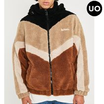 ☆Urban Outfitters レーベル iets frans…☆もこもこパーカー