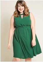 sophisticated swoon midi dress in green