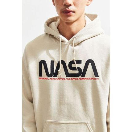 Urban Outfitters パーカー・フーディ 日本未入荷 Urban Outfitters 絶対欲しい!NASAパーカー(5)