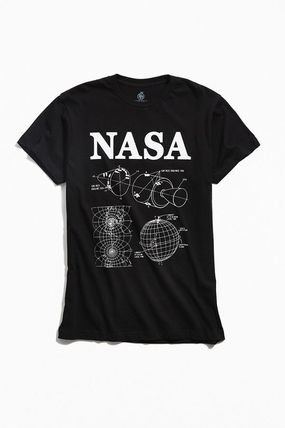 Urban Outfitters シャツ NASA★US限定★新作/送料込★ロゴ入りセーター(3)