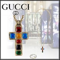 ★GUCCI *小さな十字架のネックレス* ★