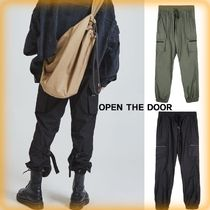 OPEN THE DOOR(オープンザドア) パンツ 【OPEN THE DOOR】人気★ Buckle Cargo Jogger Pants★全2色