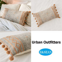 【Urban Outfitters】Geo Tufted Bolsterピロー・枕