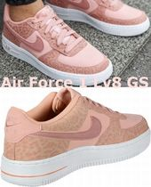 NIKE Air Force 1 Lv8 GS 大人もOK!