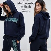 Abercrombie & Fitch アームロゴプリント付きパーカー