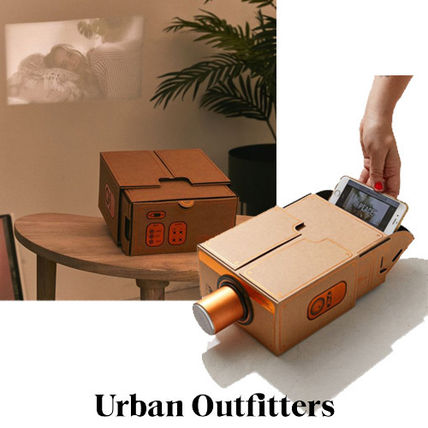 ☆Urban Outfitters スマートフォンプロジェクター☆送関込