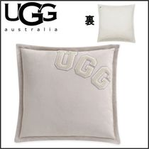 【UGG】Varsity Square Throw Pillow in Silver