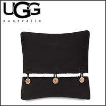 【UGG】Bailey Button Square Throw Pillow in Charcoal