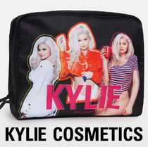 KYLIE COSMETICS(カイリーコスメティクス) ポーチ Kylie Cosmetics By Kylie Jenner Birthday Makeup Bag カイリー