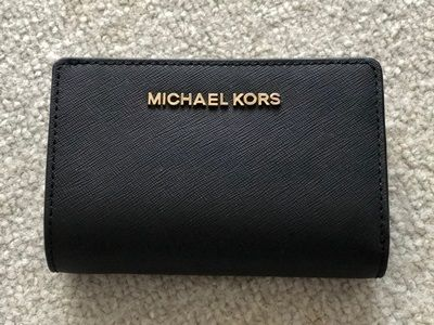 【国内発送最短1日!】Michael Kors BIFOLD ZIP WALLET