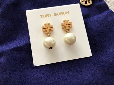 【国内発送最短1日!】Tory Burch Logo Pearl Earrings