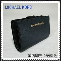 【国内即発】Michael Kors JET SET TRAVEL BIFOLD ZIP WALLET