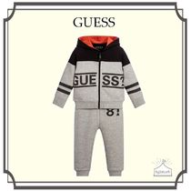 Guess(ゲス) ベビー用トップス GUESS☆Boys Grey Cotton ロゴ入りTracksuit