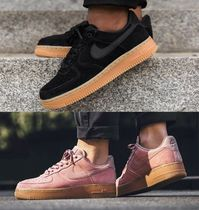 NIKE★WMNS AIR FORCE 1 '07 SE★スウェード★2色★22~26cm