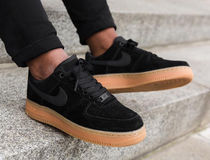 NIKE★WMNS AIR FORCE 1 '07 SE★スウェード★22~26cm
