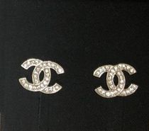 CHANEL COCOマークピアス