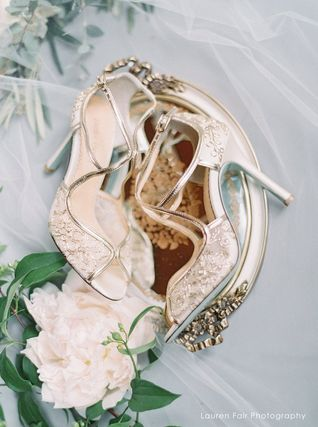 BHLDN ウェディングシューズ BHLDN取扱いBella Belle★EMBROIDERED GOLD LACE WEDDING SHOES(8)