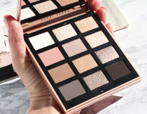 【ホリデー限定!!】BOBBI BROWN Nude Drama Eyeshadow Palette