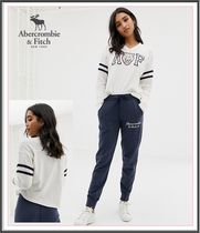 Abercrombie & Fitch(アバクロ)  ホワイトロゴTシャツ