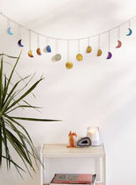 【Urban outfitters】Hammered Metal Moon Cycle Banner☆