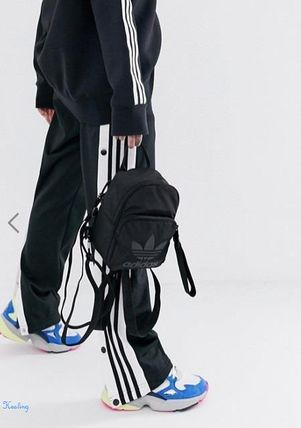 94a19d503770 adidas バックパック・リュック ☆ASOS☆ adidas Originals mini backpack in all black ...