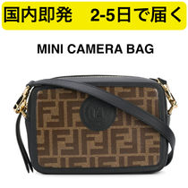 ★関税無料★FENDI MINI CAMERA CASE BAG