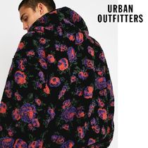 ☆Urban Outfitters レーベル iets frans…☆Teddy  パーカー