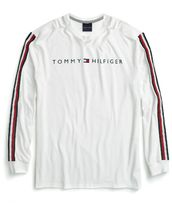 Tommy Hilfiger(トミーヒルフィガー) スウェット・トレーナー Tommy Hilfiger  Knox Stripe-Sleeve Logo Graphic T-Shirt