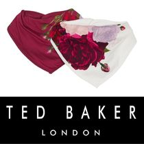 Ted baker☆Baby エレガントローズ ビブ 2Pack