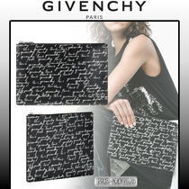 GIVENCHY ★新作★人気ミディアムプリントポーチ 国内発送