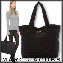 MARC JACOBS(マークジェイコブス) マザーズバッグ Marc Jacobs ナイロン製ロゴプレート付マザーズバッグ 男女兼用