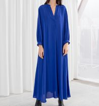 "& Other Stories(アンドアザーストーリーズ) ワンピース ""& Other Stories"" V-Neck Kaftan Maxi Dress Blue"