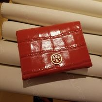 セール!  Tory Burch ★ PARKER EMBOSSED FOLDABLE CARD CASE