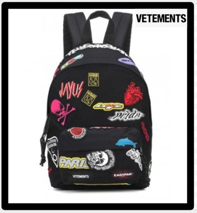 セール限定VETEMENTSヴェトモンMINI EMBROIDERED BACKPACK